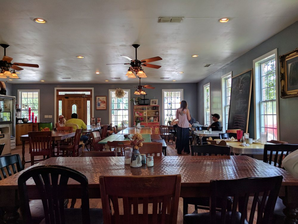 Simply Southern: 1749 US 41, Pelham, TN