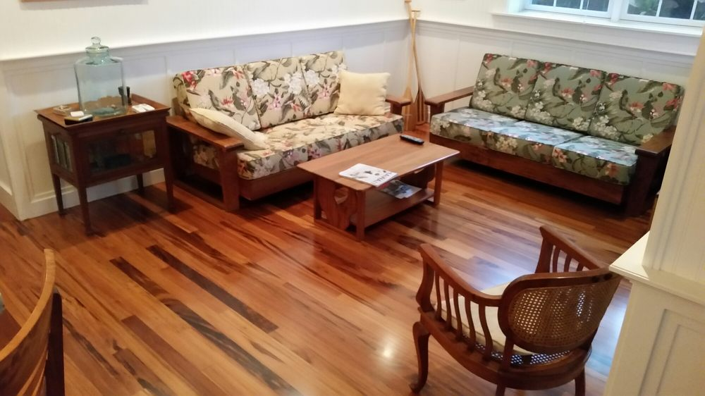 Finishing Touch Hardwood Floors