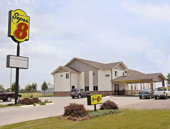 Super 8 by Wyndham Belleville: Hwy 36, Belleville, KS