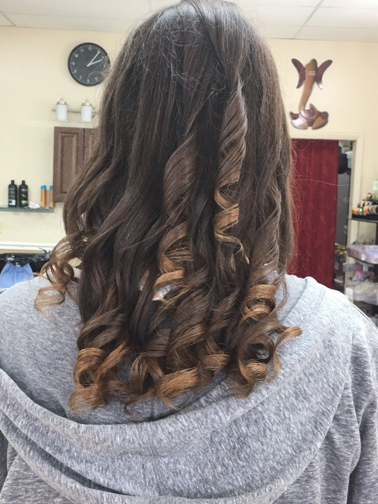 Deluxe Hair And Beauty Salon 17 Reviews Hair Salons 6483