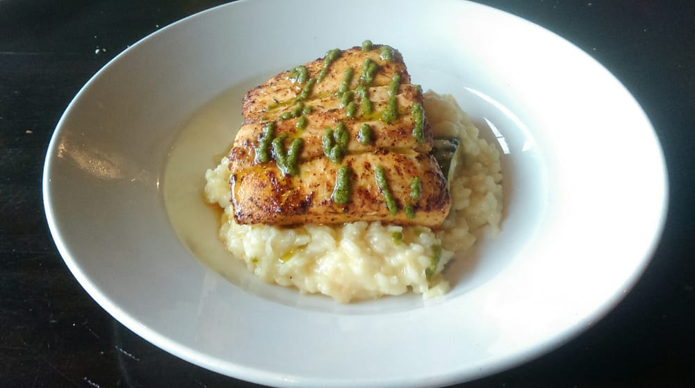 Fresh mahi mahi from the outer banks yelp for Whiskey kitchen virginia beach
