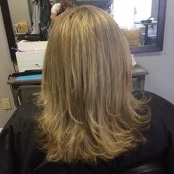 Shear kreations coiffeurs salons de coiffure 2318 for A kreations salon