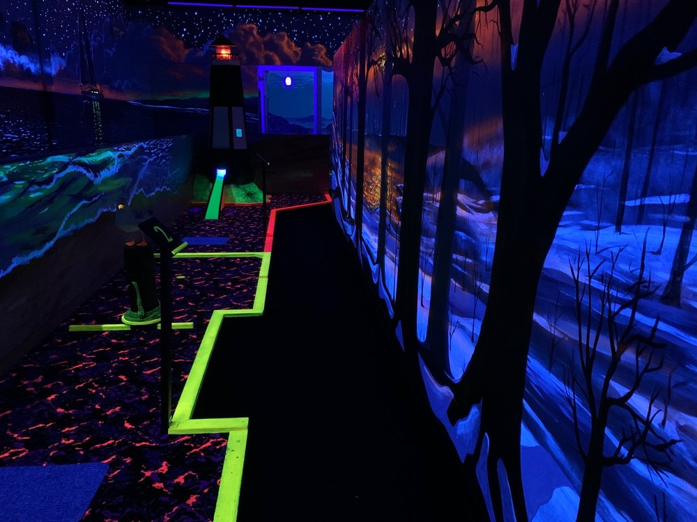 Great Lakes Glow Golf: 3494 Plainfield Ave NE, Grand Rapids, MI