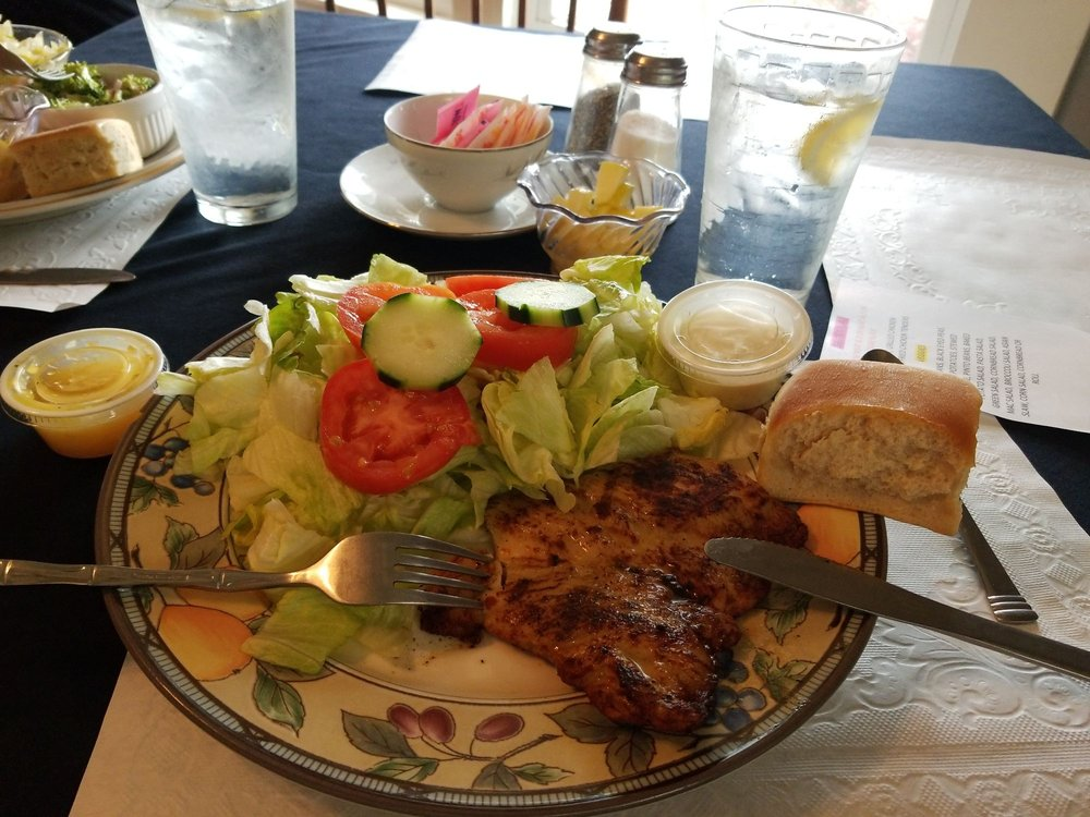 The Cottage Tea Room: 109 E Washington St, Aberdeen, MS
