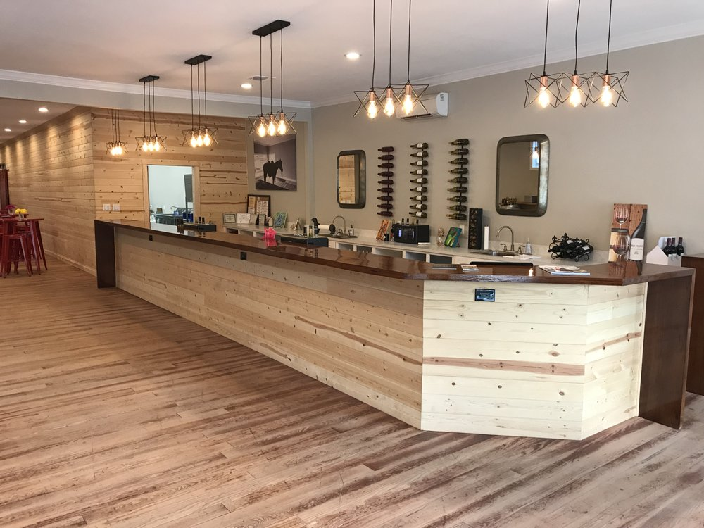 Red House Winery: 108 E Pilar St, Nacogdoches, TX