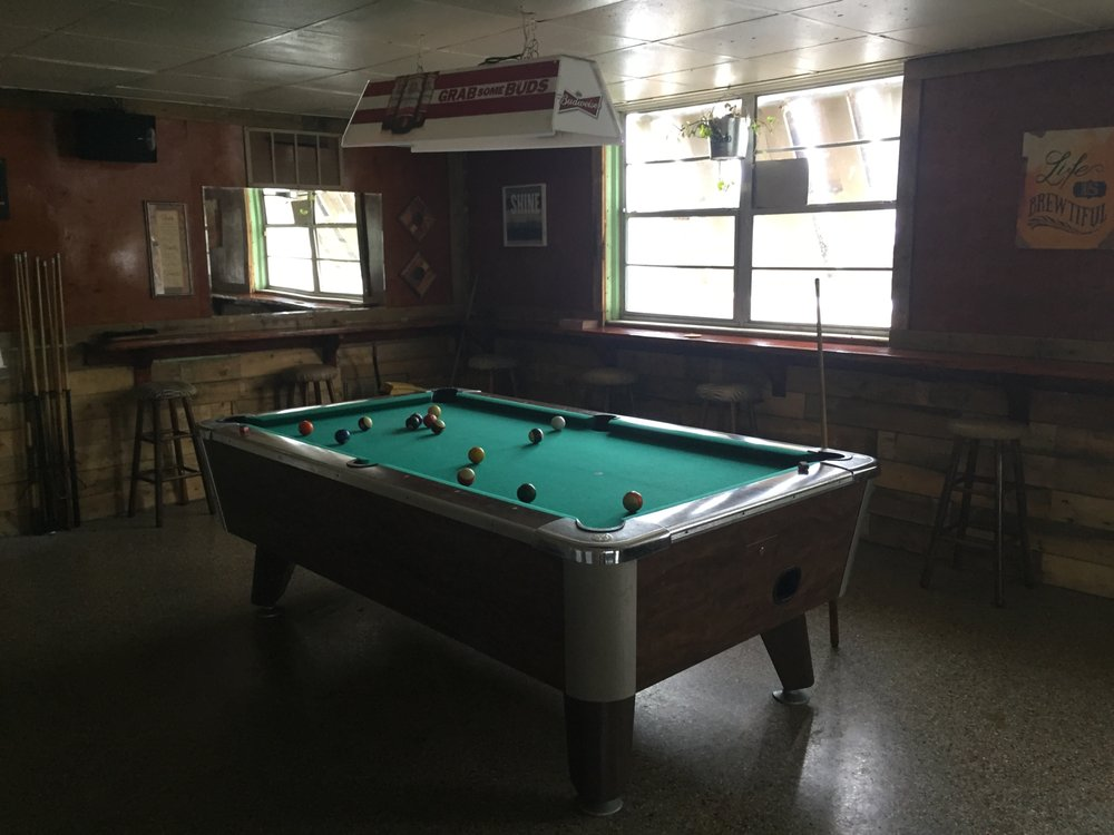 The Dive Inn Bar and Grill