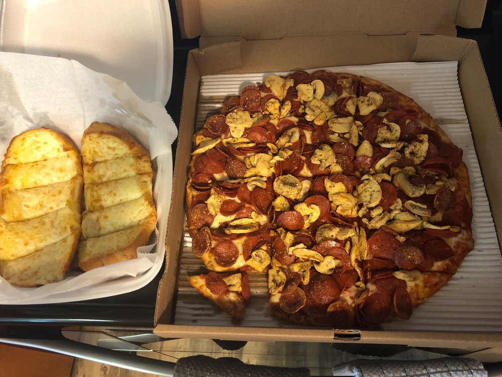 Wildcat Pizza: 220 North Clinton St, Richwood, OH