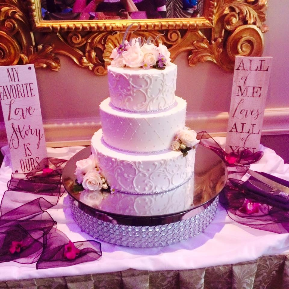 Lucien\'s makes all the wedding cakes on site and ours came out ...