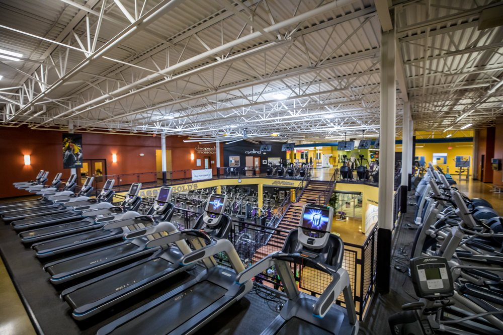 residential golds gym - 1000×666