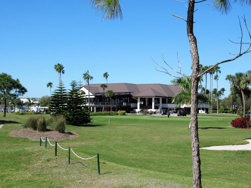 Pasadena Yacht & Country Club: 6300 Pasadena Pt Blvd S, Gulfport, FL