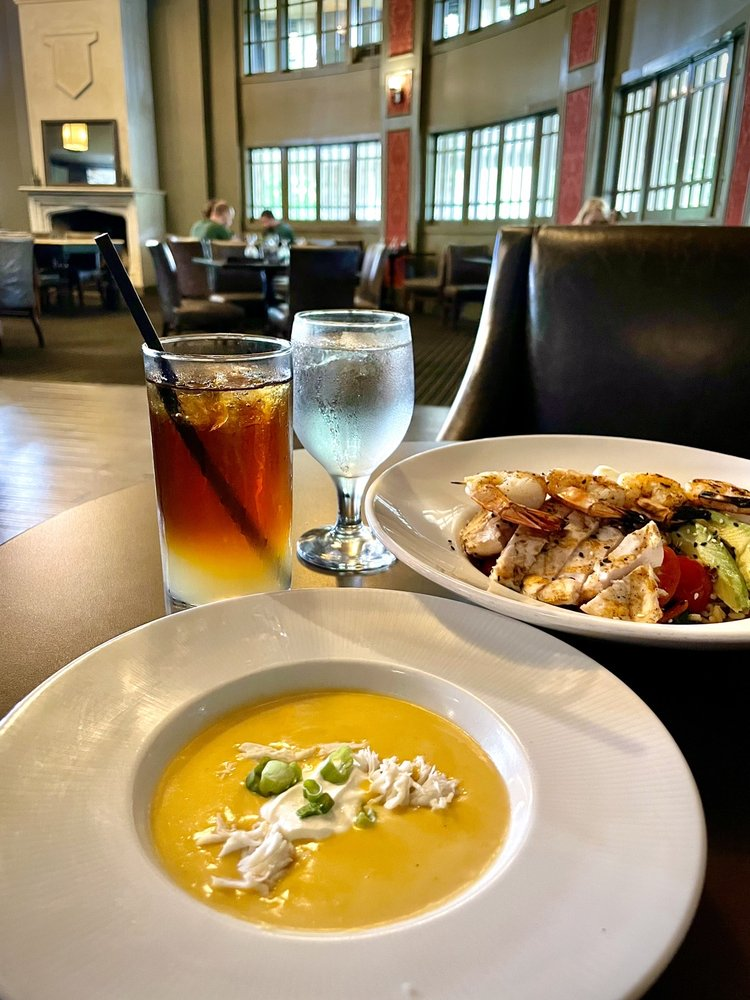 Eighty-Eight At the Elms: 401 Regent St, Excelsior Springs, MO
