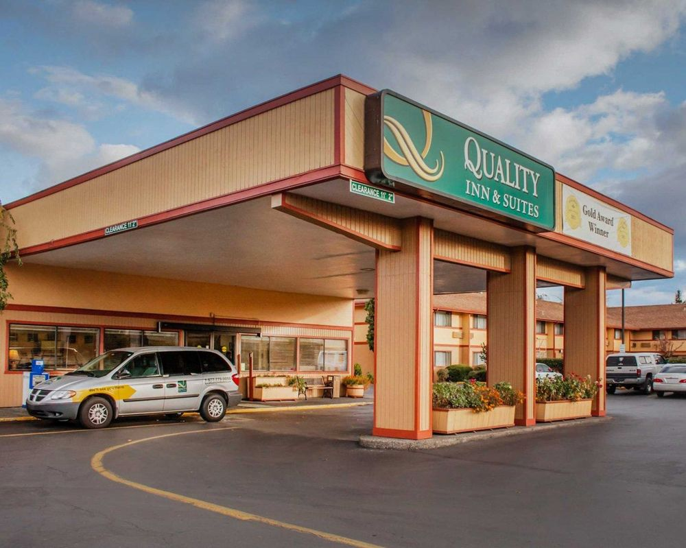 Quality Inn and Suites Airport - 19 Photos & 47 Reviews - Hotels ...