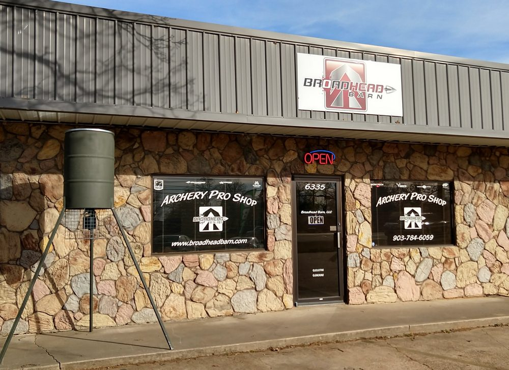 Broadhead Barn: 6335 Lamar Rd, Reno, TX