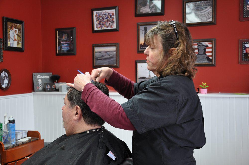 Olde Tyme Barber Shop: 2 N Main St, Hackettstown, NJ