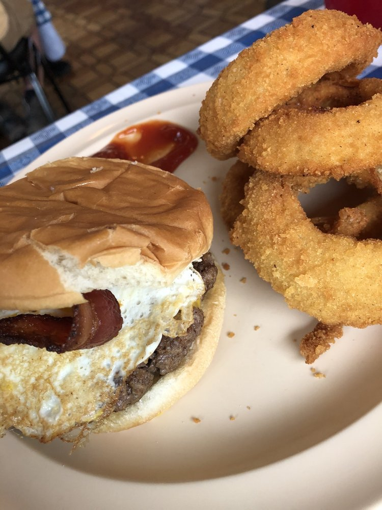 Desi's Diner: 104 Pine St Arcadia, Ironton, MO