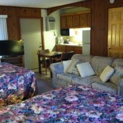 Photo Of M 22 Inn Suttons Bay Mi United States
