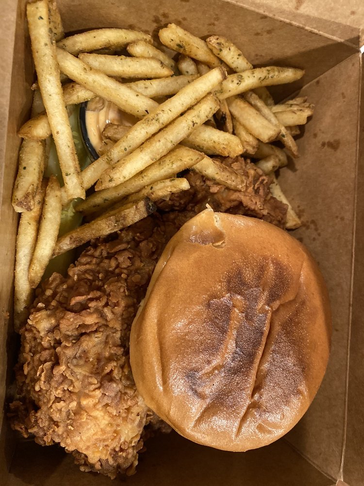 Newbolds Food & Libations: 211 York Rd, Jenkintown, PA