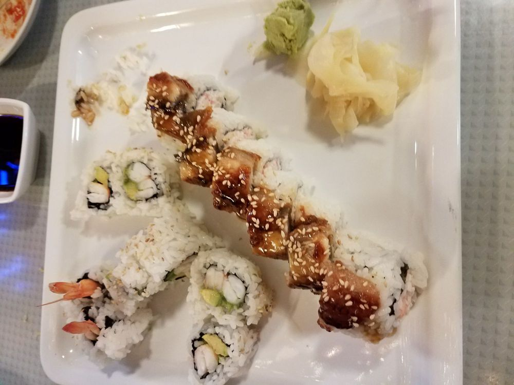 Sushi Qu: 952 E Lake Ave, Watsonville, CA