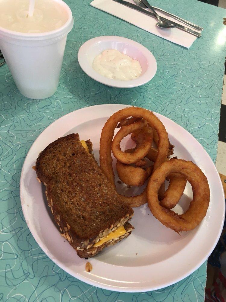Major's Diner: 28870 Old Hwy 80, Pine Valley, CA