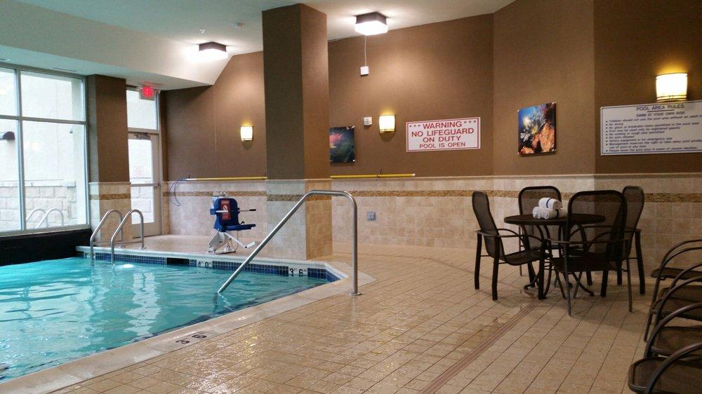 Drury Inn & Suites Mt. Vernon: 145 N 44th St, Mt. Vernon, IL