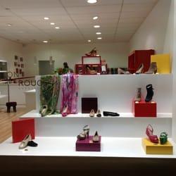 talon rouge magasins de chaussures chauss e de huy 191 chaumont gistoux brabant wallon. Black Bedroom Furniture Sets. Home Design Ideas
