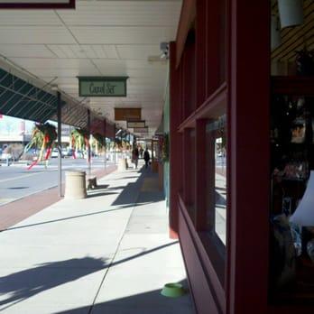 Stuyvesant Plaza Shoe Stores