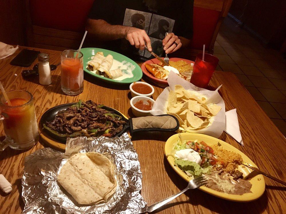 El Corral Mexican Restaurant: 112 Bradford Blvd, Gordonsville, TN