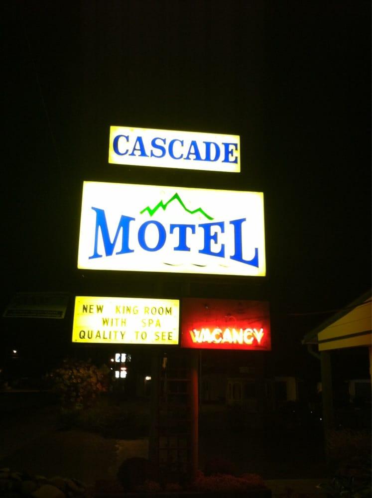 Cascade Motel: 47487 Hwy 58, Oakridge, OR