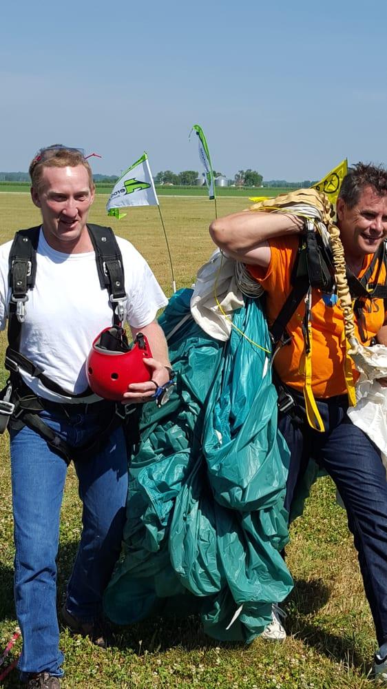 The Dam Skydivers: 16210 S 1425th Rd, Stockton, MO