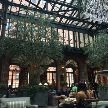 restoration hardware chicago store hours hardwares on track to exceed expectations photo united states wedding