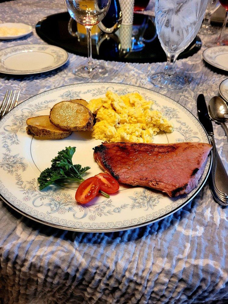 Nitta's Bed & Breakfast: 920 16th St, Aurora, NE