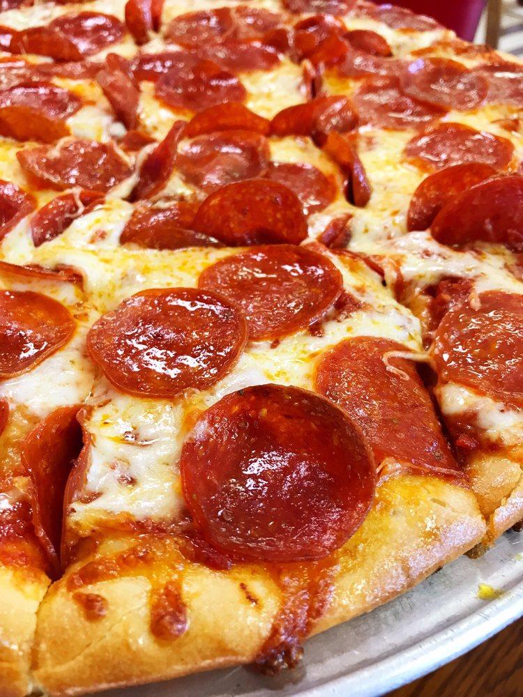 Caudillo's Pizza: 120 N Walnut St, Rising Sun, IN