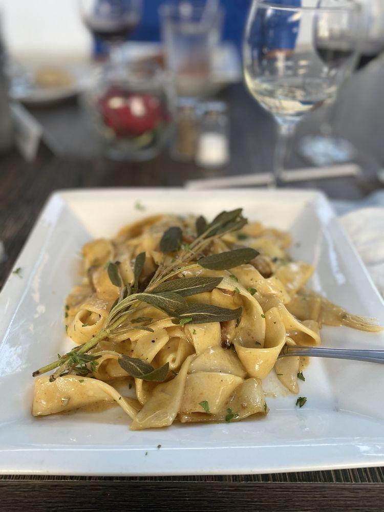 Nonna Sulina's Italian Kitchen: 5000 Bath Pike, Bethlehem, PA