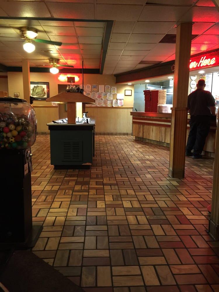 Mazzio's Pizza: 823 E Main St, Henryetta, OK