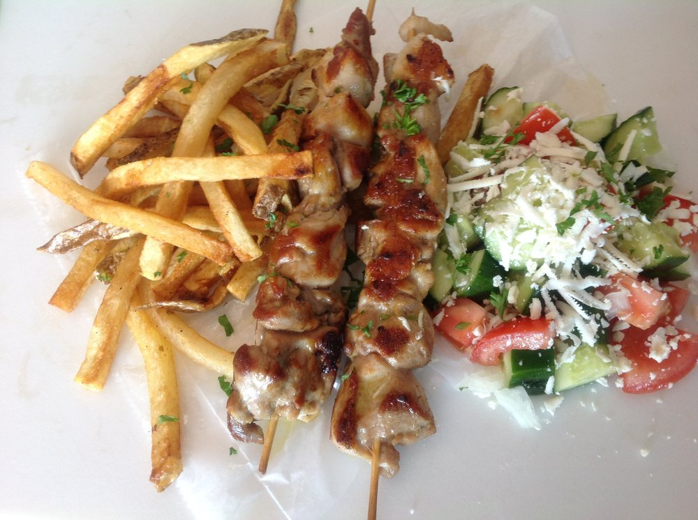 Christina Drive Grill: Christina Dr, East Dundee, IL