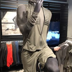 Adidas Store 19 fotek Sportovní oděvy Tauentzienstr