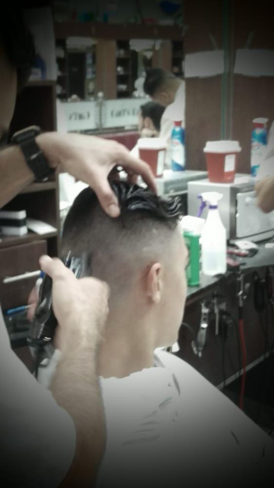 Carls Barber Shop 71 Photos 58 Reviews Barbers 13180 W