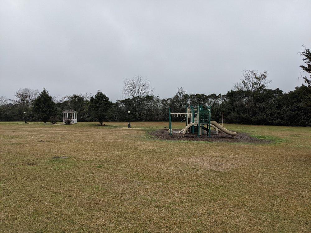 Bronwood Park: 102 Main St, Bronwood, GA