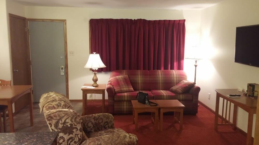 Shepherd Mountain Inn & Suites: 1321 N Hwy 21, Ironton, MO
