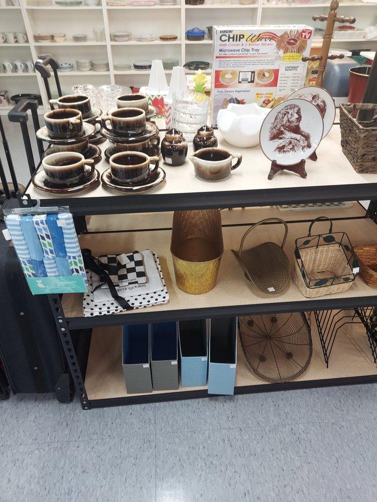 Boomerangs Thrift & Gift: 1140 E Altamonte Dr, Altamonte Springs, FL