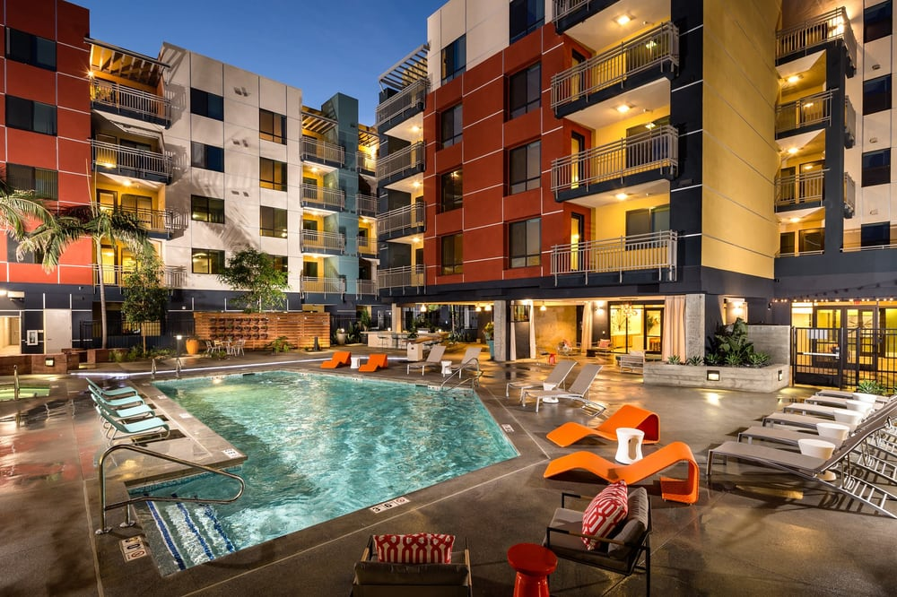 Urban Village Apartments 35 Photos 33 Reviews 1081 Long Beach Blvd Ca Phone Number Yelp