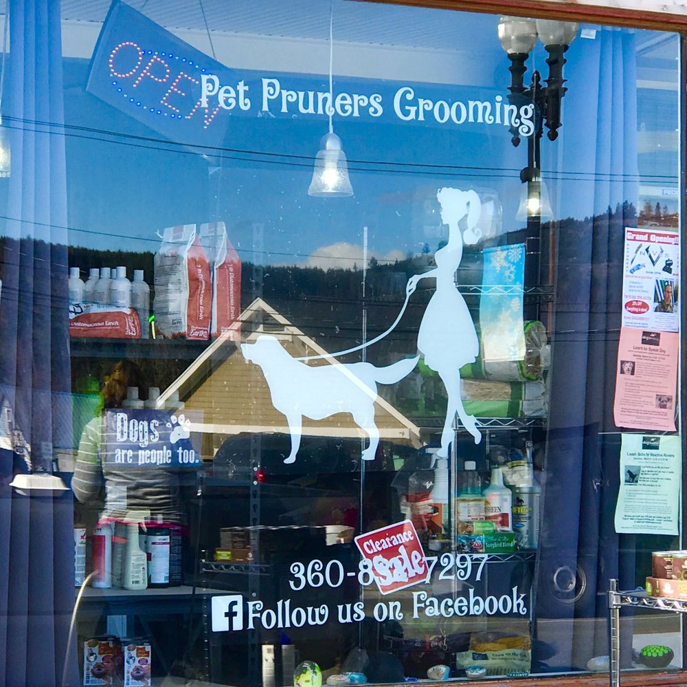Pet Pruners Grooming & Supplies: 110 Mashell Ave N, Eatonville, WA