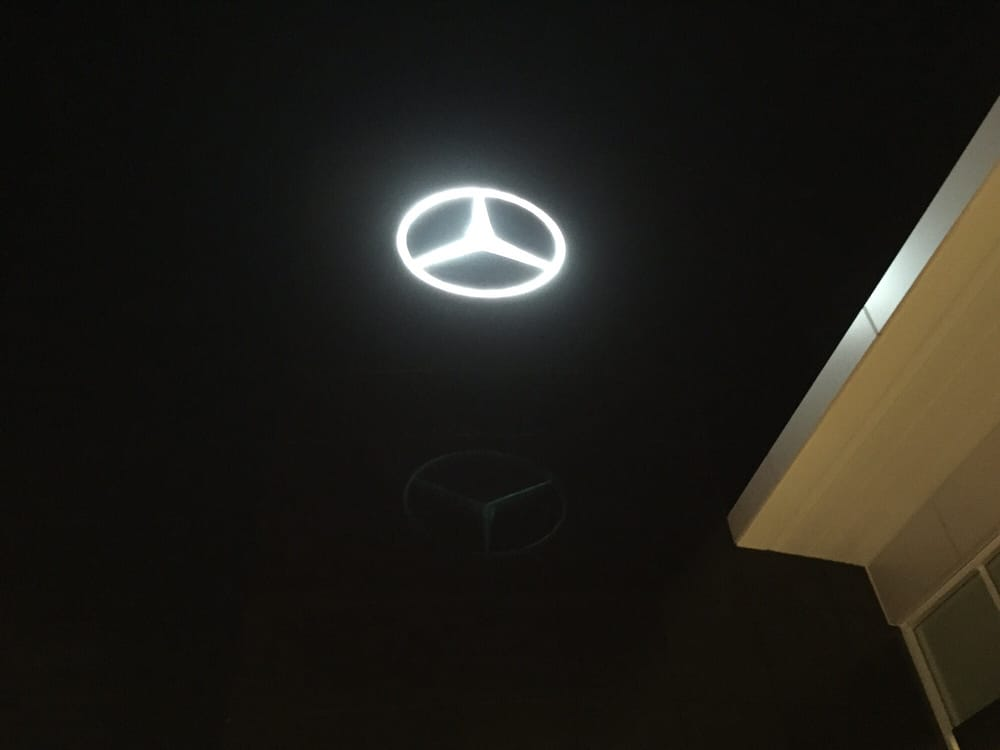 The park place star in the top of the building yelp for Park place motorcars mercedes benz dallas dallas tx