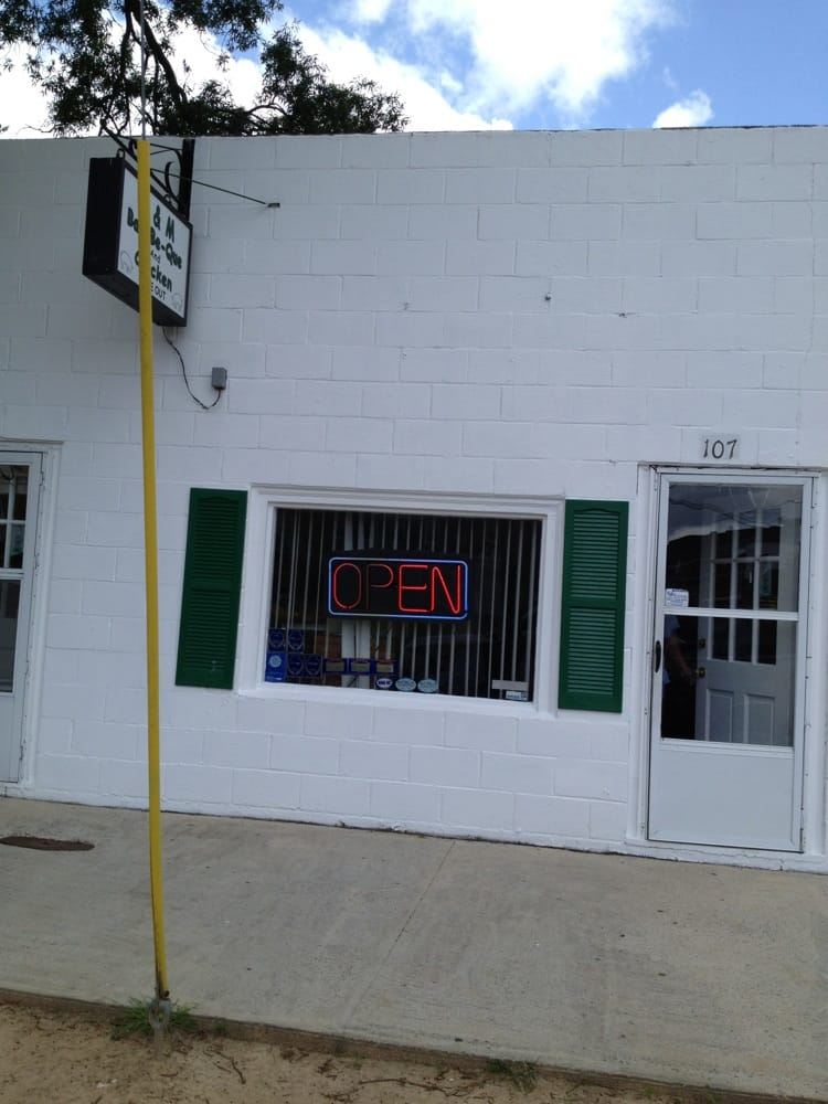 A & M Bar-Be-Que: 107 W 11th St, Scotland Neck, NC