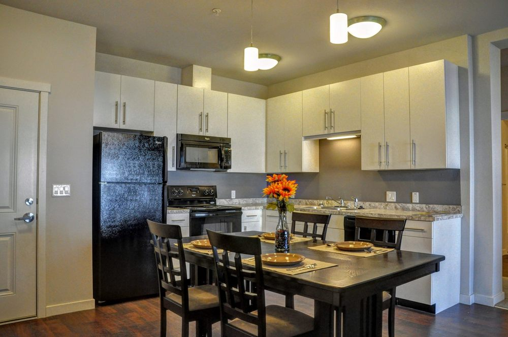 Emerald Ridge Apartments & Townhomes: 1521 Emerald Ridge Rd, Watford City, ND