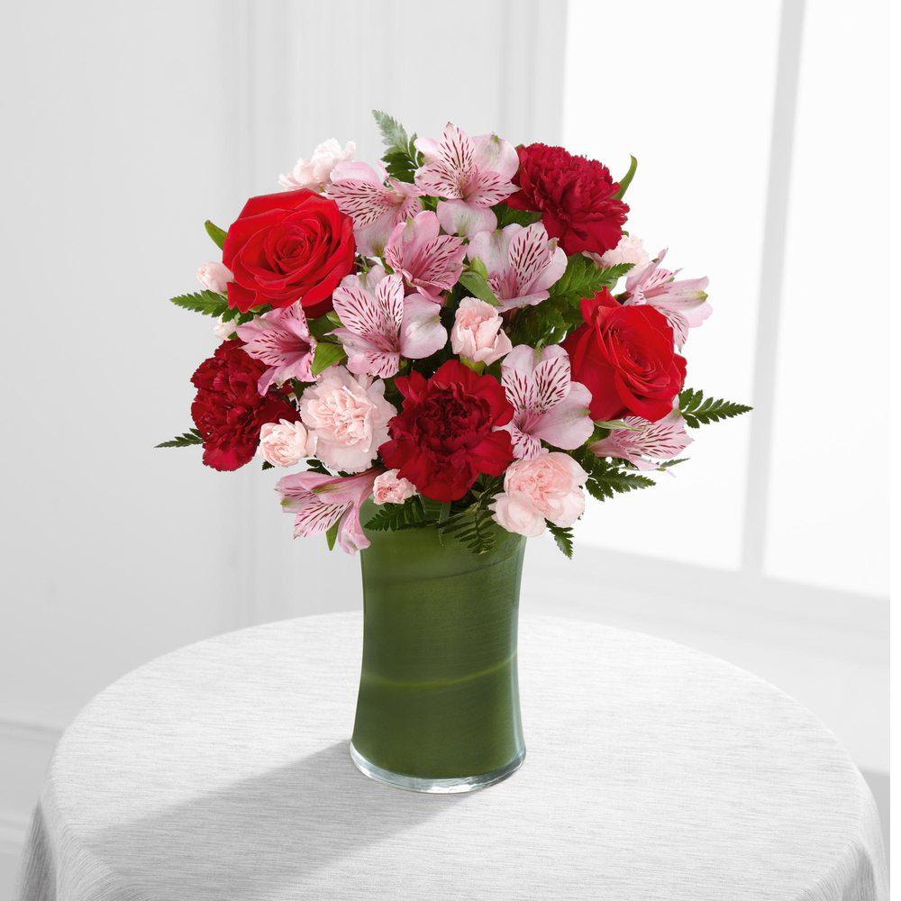 De Voe Floral: 216 W Main St, Lena, IL
