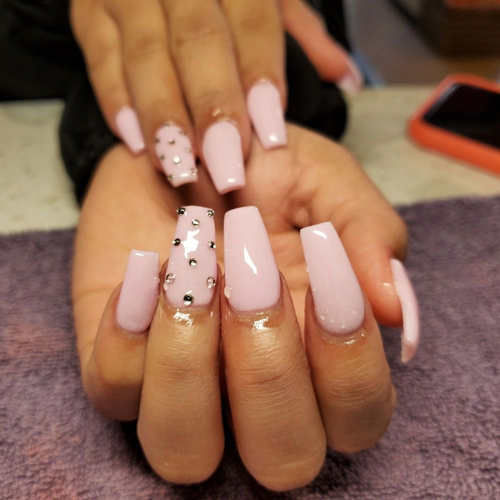 DB Nails and Spa: 411 University Ave, Lubbock, TX