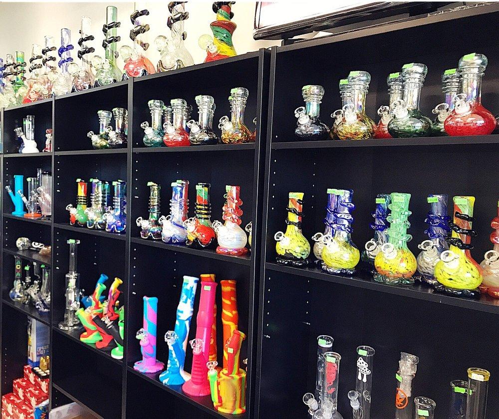 Smoke Plus: 1222 Bronson Way N, Renton, WA