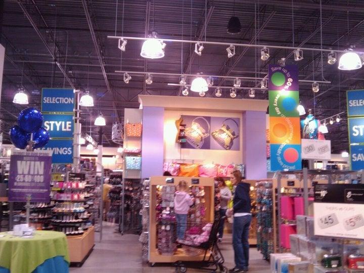 Gordmans Closed Department Stores 1270 Ne Coronado Dr Blue