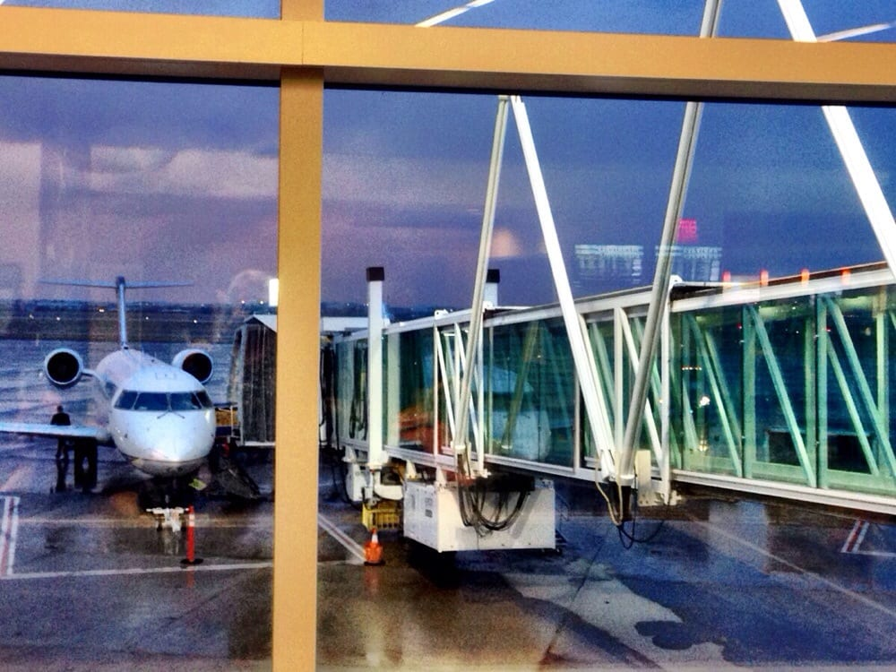 United Airlines: 10801 Airport Blvd, Amarillo, TX